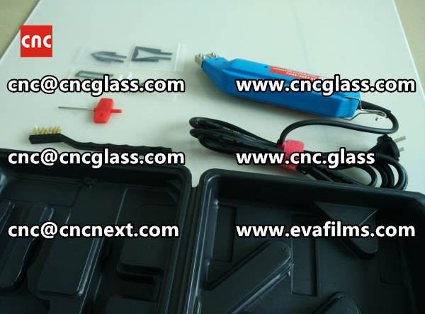 HEATING HOT KNIFE TRIMMING LAMINATED GLASS INTERLAYER REMAINS (5)